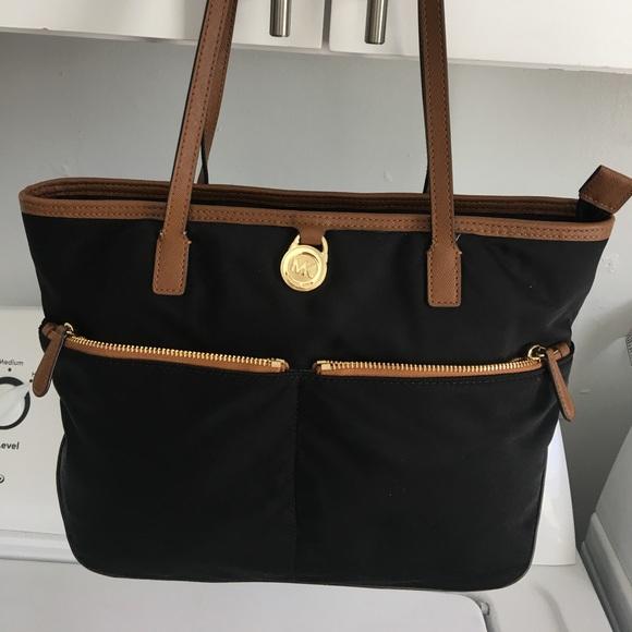 8c0d55d6b27a MICHAEL KORS Kempton Black Nylon Tote Handbag Bag.  M_5ac6ba74b7f72b4fe5b03ab1